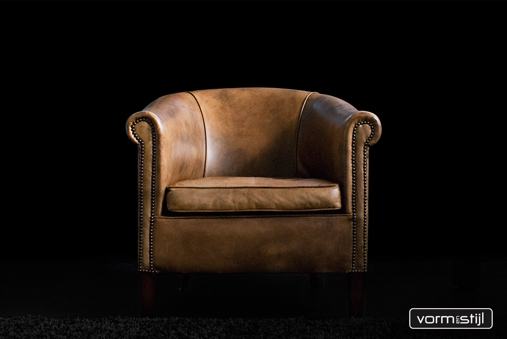 Wondrous Leather Chairs Of England Sublime Club Chair In Thick Pdpeps Interior Chair Design Pdpepsorg