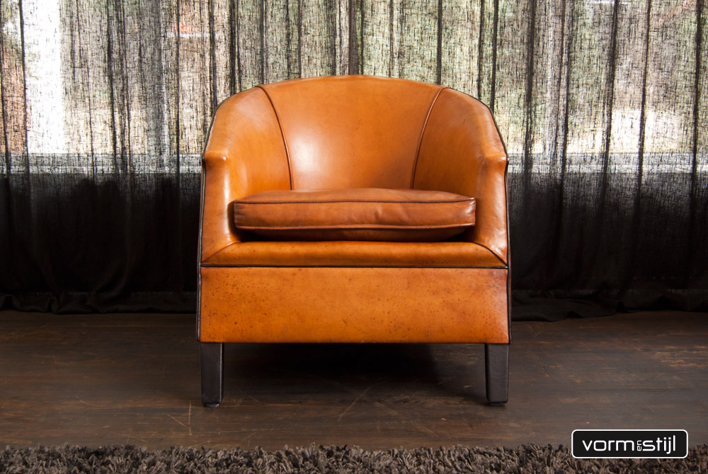 Architectural armchair from designer bart van bekhoven in thick