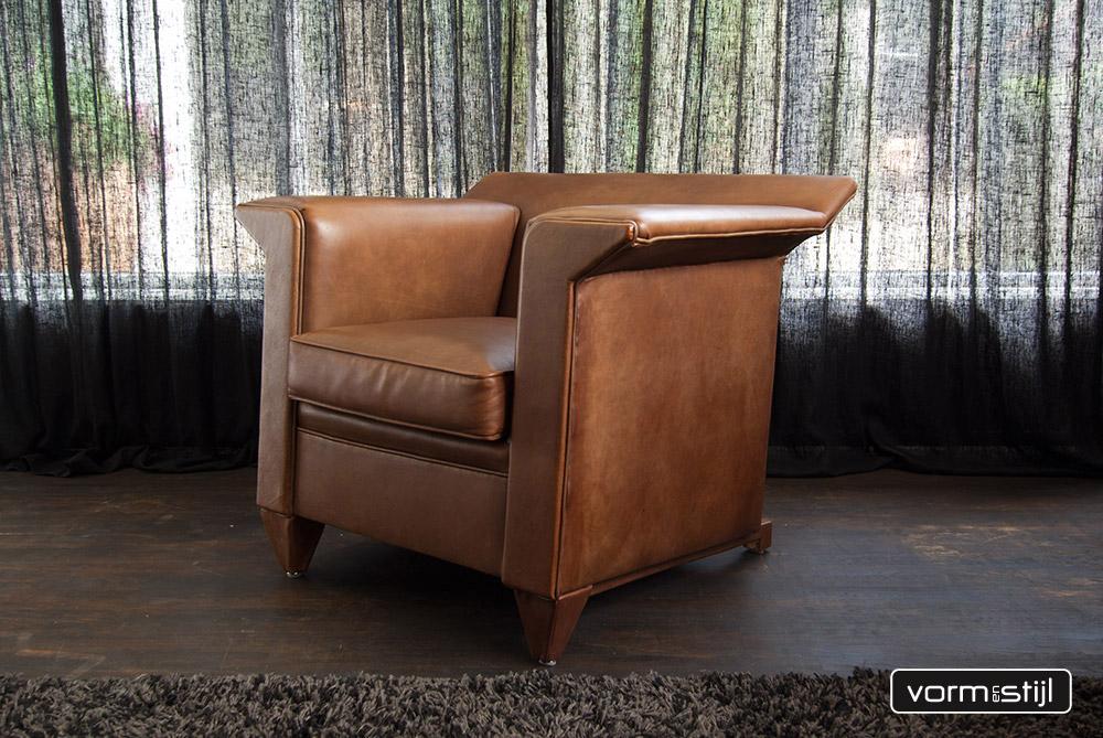 Architectonische fauteuils van designer bart van bekhoven in dik
