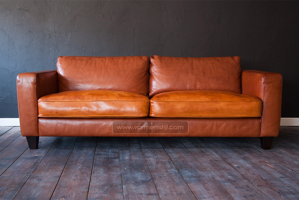 linteloo machalke design sofa in thick waxed bull leather. Black Bedroom Furniture Sets. Home Design Ideas