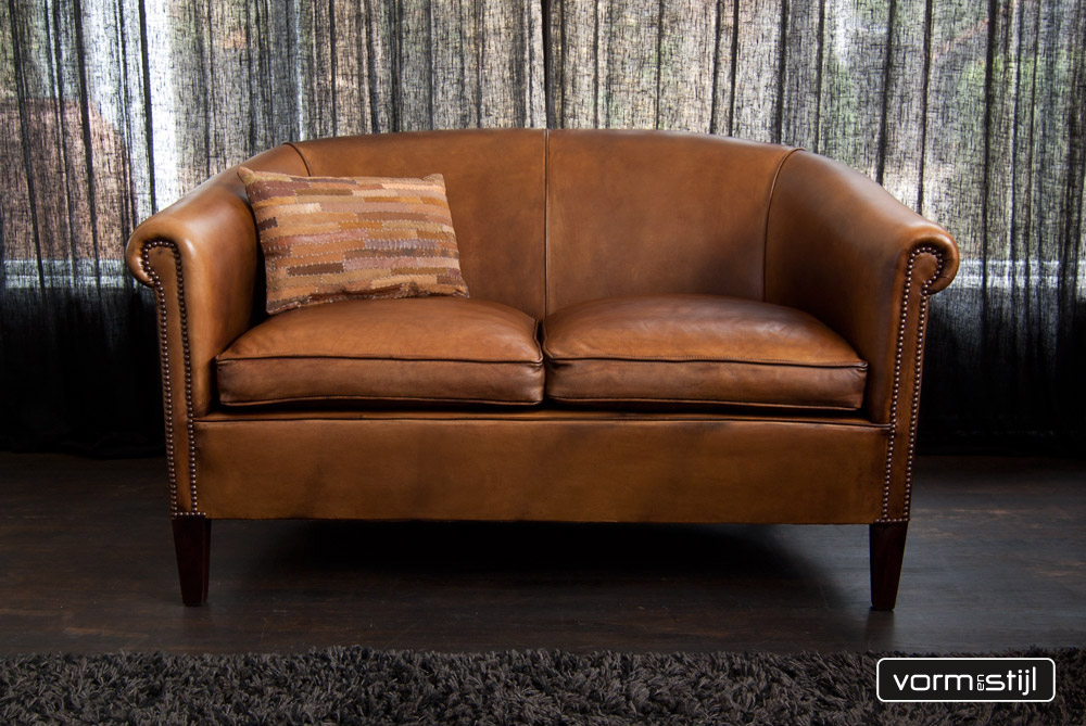 Leather Chairs Of England Club Style Chesterfield Sofas In