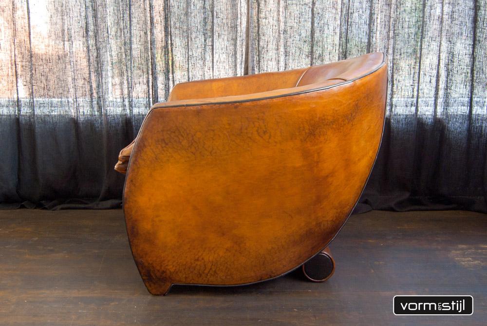 Architectural armchair designer bart van bekhoven in thick