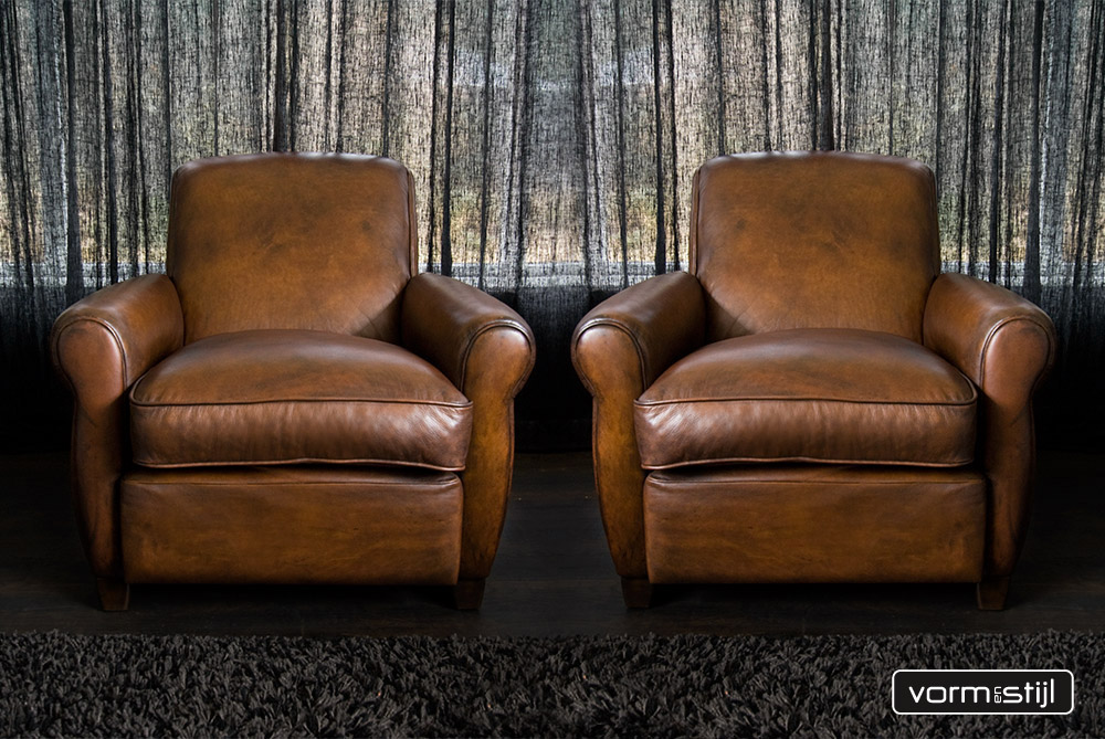 Art Deco Stijl : Art deco chairs in heavy waxed saddle leather